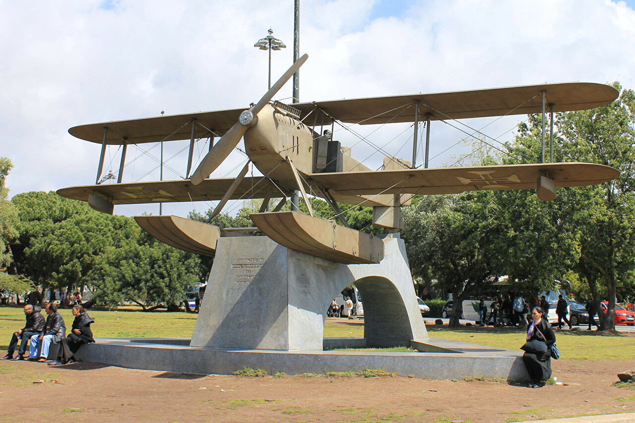 Fairey III-D MkII seaplane. Monument to the first flight across the South Atlantic, Lisbon