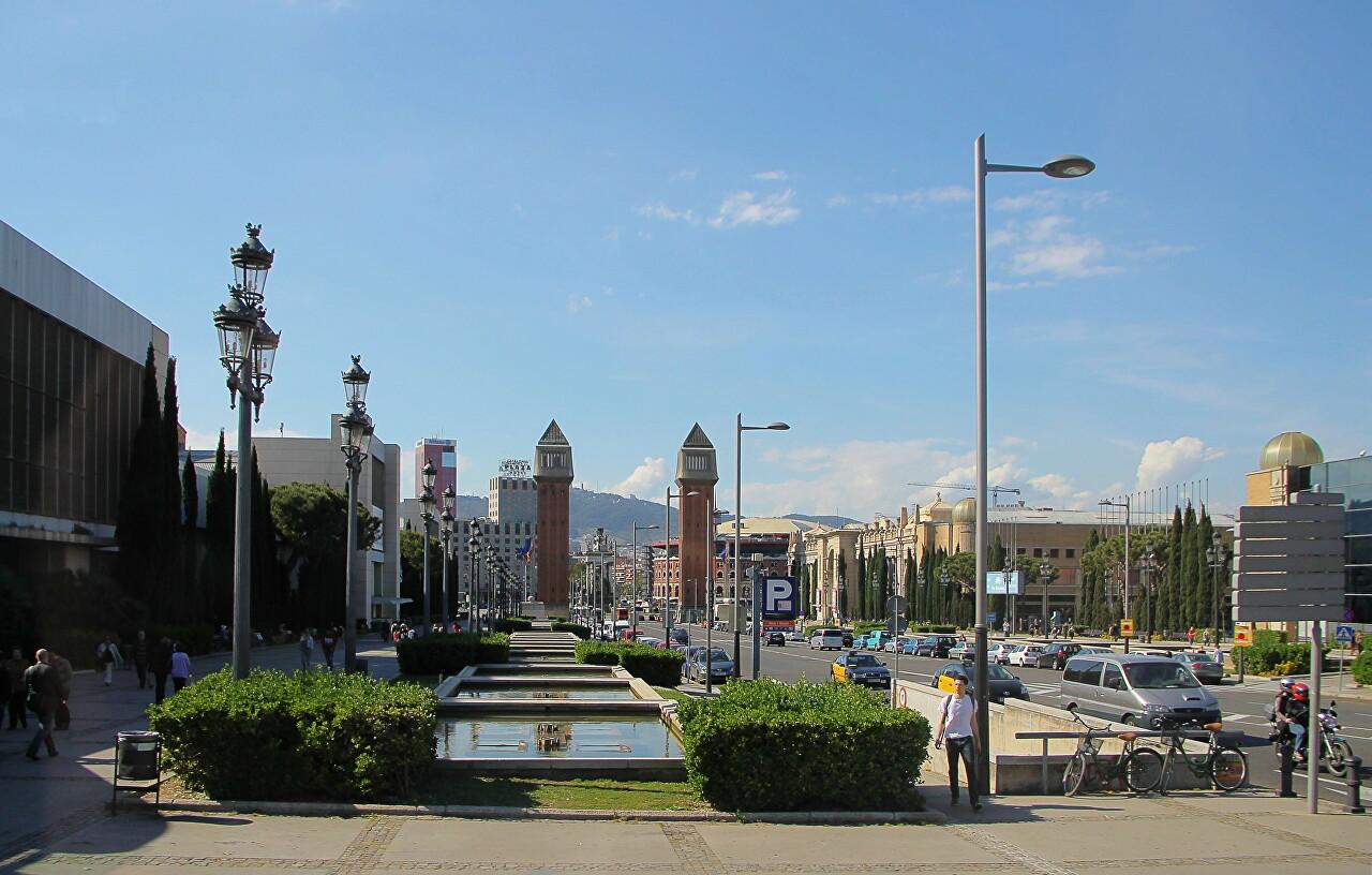 Avinguda de la Reina Maria Cristina, Barcelona