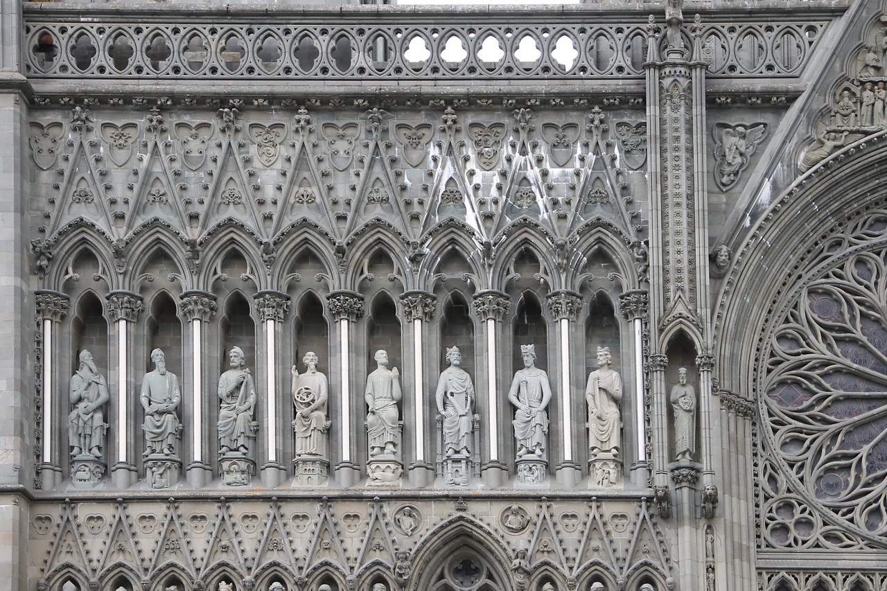 Nidaros Cathedral. Sculptures