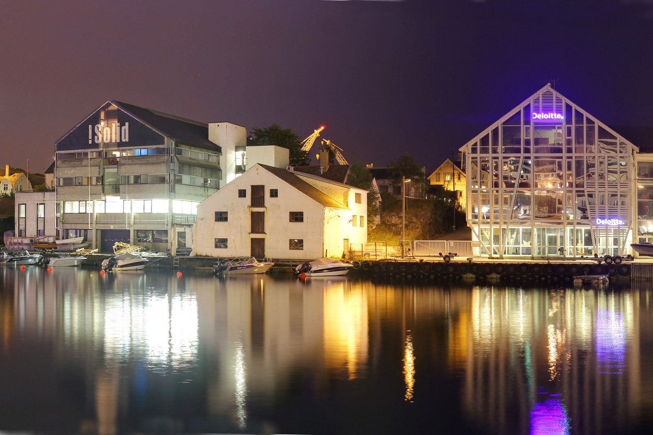 Night Haugesund, the Smedasundet Promenade