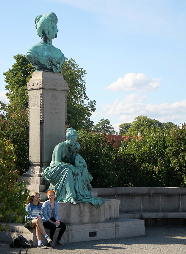 Monuments Of Mary Of Orleans, Copenhagen