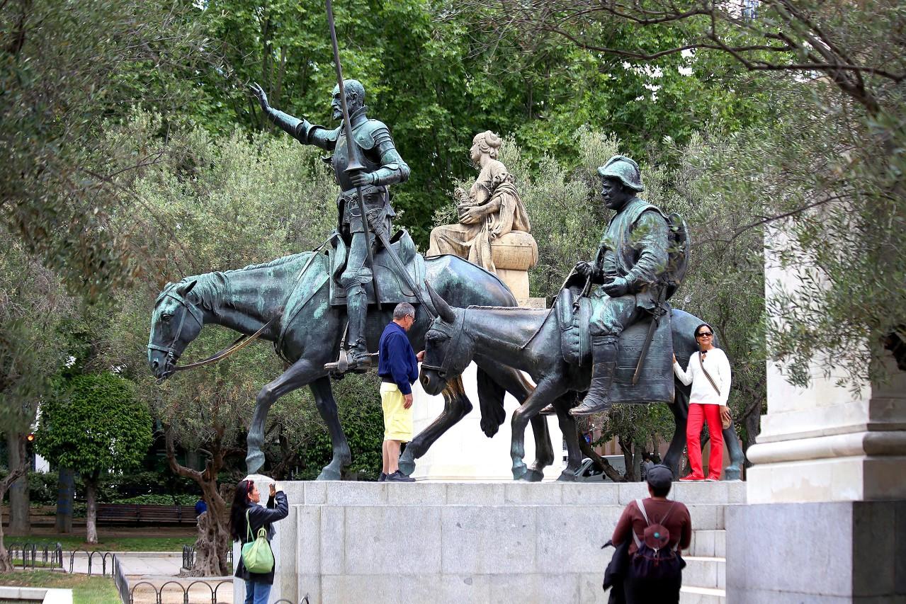 Cervantes monument, Plaza de España, Madrid