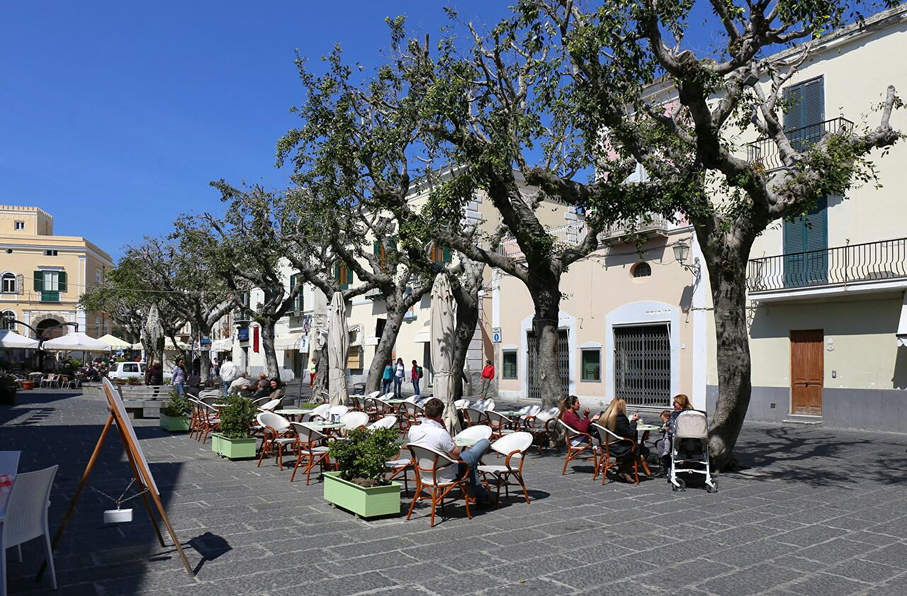 Matteotti Square, Forio
