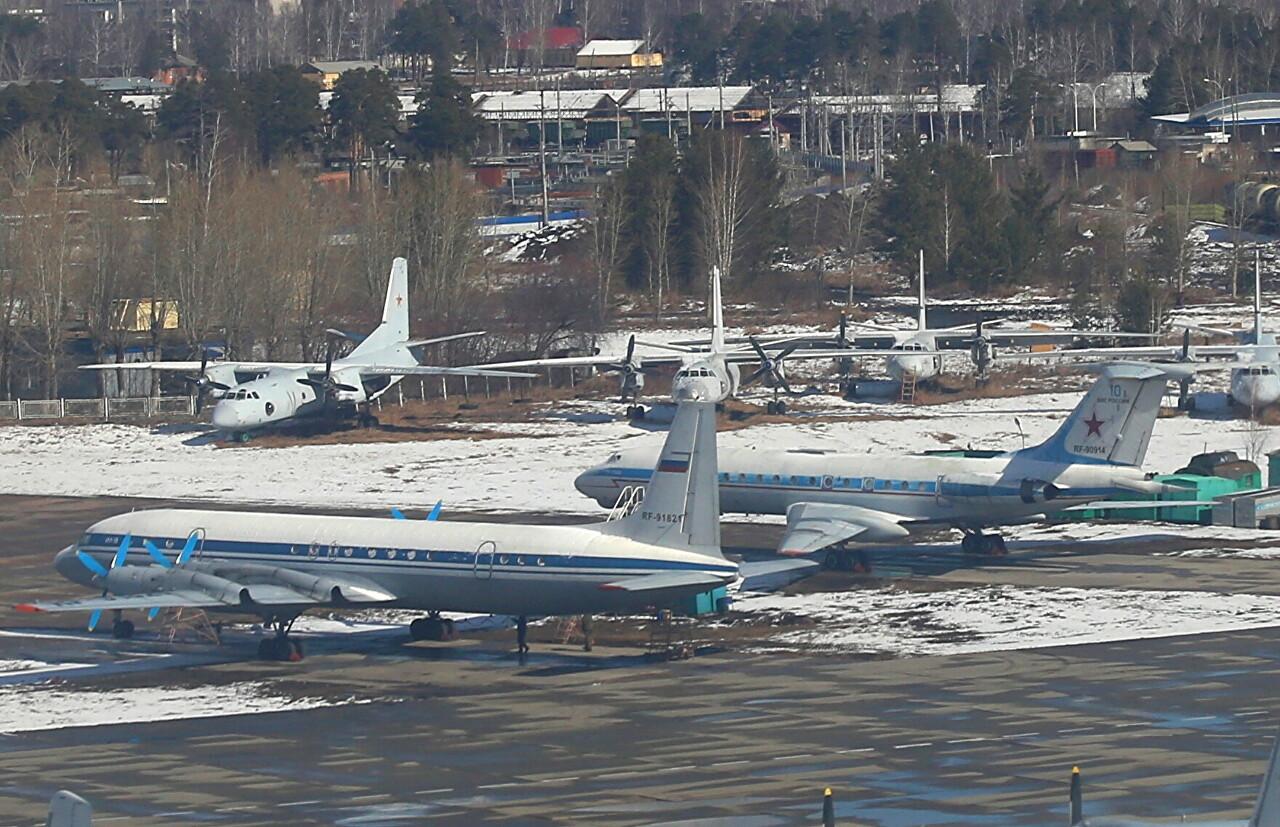 Yekaterinburg-Yekaterinburg-Koltsovo airport military area. Iljushin Il-18V and Tupolev Tu-134AK