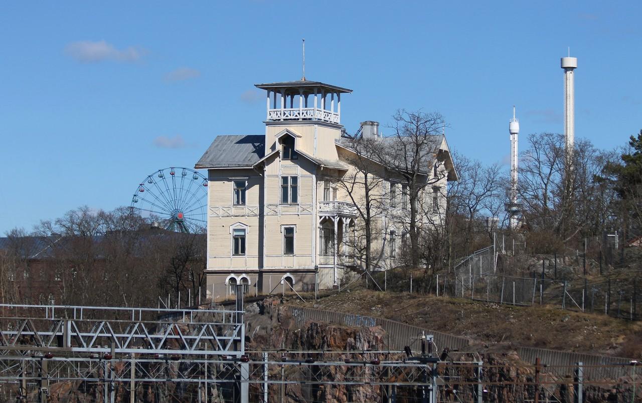 Helsinki. Linnulaulu Park. Villa