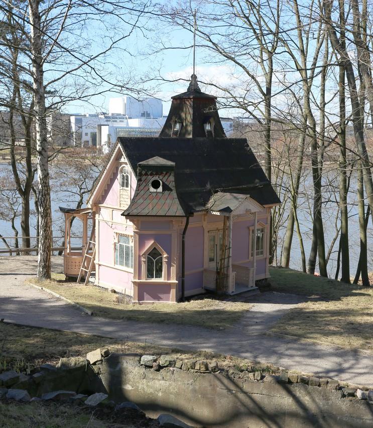 Helsinki. Linnulaulu Park, tea house