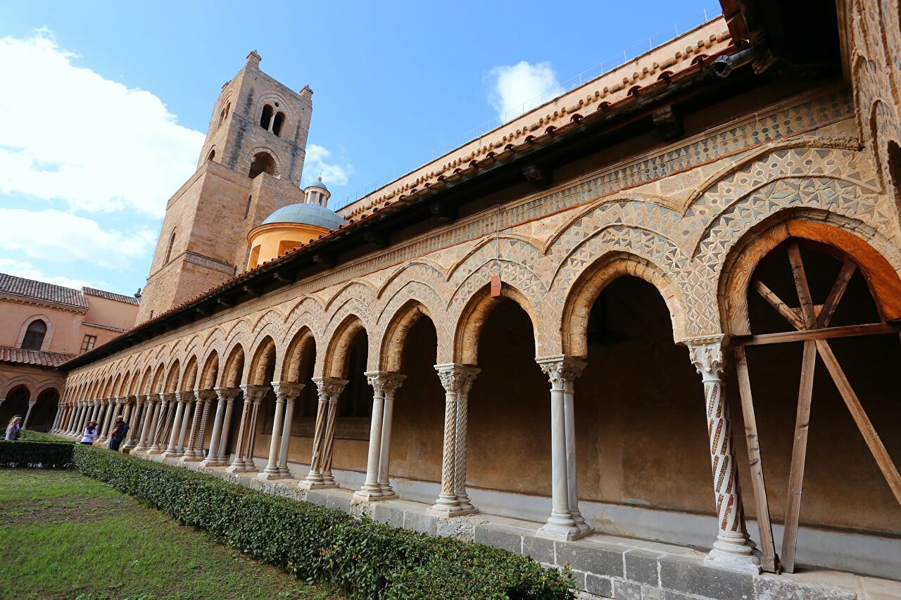 Бенедтиктинский монастырь